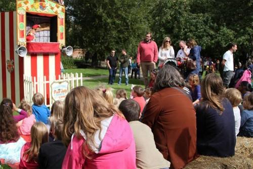 punch and judy amersham heritage day 2015